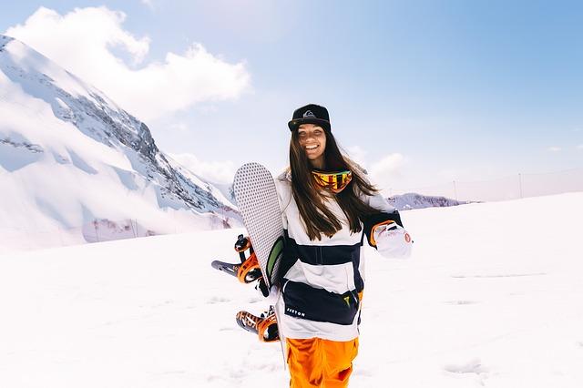 snowboard sneh dievča.jpg