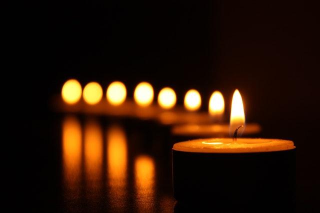 horiace sviečky.jpg