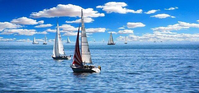 plachetnice na mori