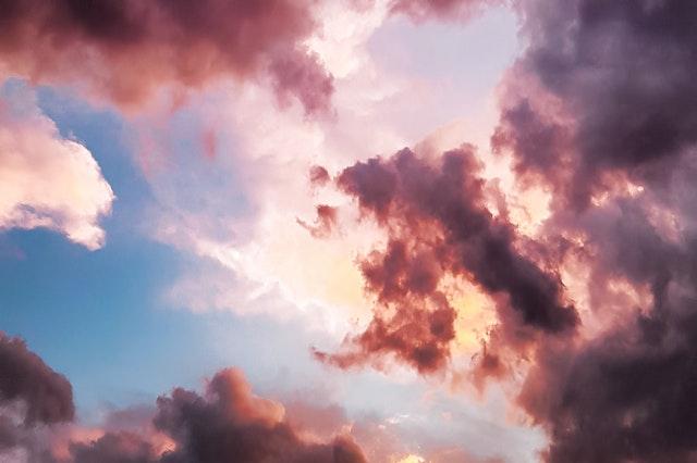 Ružové oblaky na oblohe