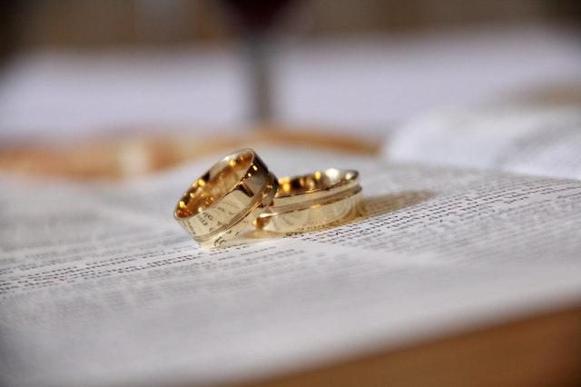 obrúčky na manželskom sľube