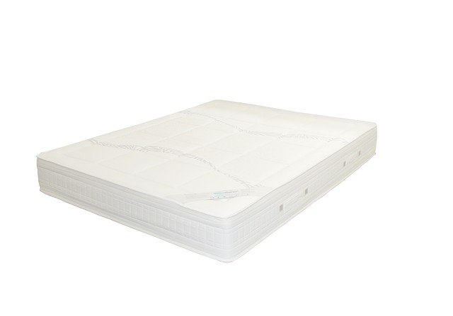 tvrdá matrace